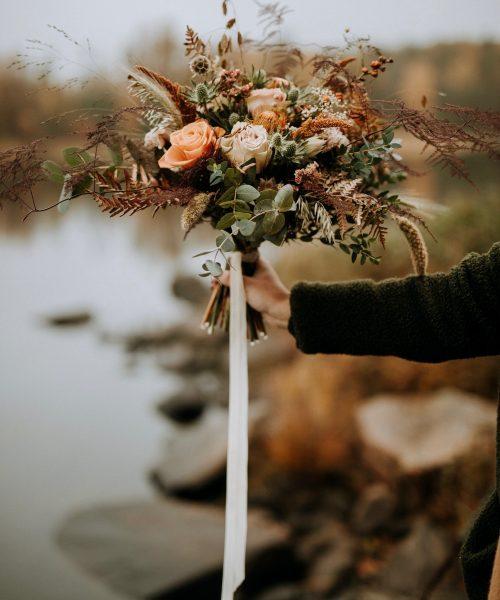 Höstbröllop, Fotograf Emilia, Blommor&Jord, Alboga Choklad, Storegården, Grenskan